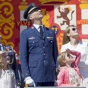 Letizia d'Espagne et ses filles, les yeux au ciel, fières de Felipe