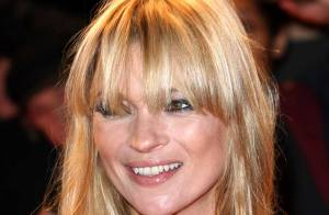 PHOTO : Kate Moss, tellement sexy qu'un homme nu la poursuit !