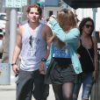 Prince Jackson, fils du regretté Michael Jackson, se promène avec sa petite amie Nikita Bess et sa mère à Beverly Hills, le 8 mai 2014.