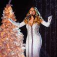 Mariah Carey a chanté lors de l'inauguration des illuminations de Noël au Rockfeller Center à New York. Le 3 décembre 2013.