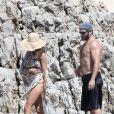 Pamela Anderson sur une plage de Cannes avec son mari Rick Salomon, le 14 mai 2014.