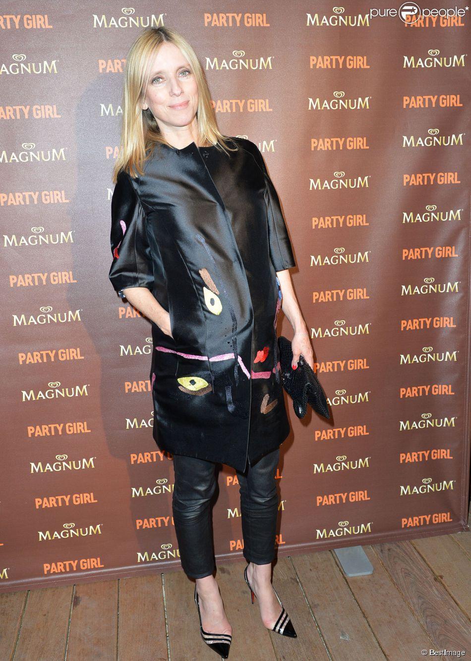 """Léa Drucker enceinte - Soirée du film """"Party Girl"""" en compétition pour Un Certain Regard sur la plage Magnum lors du 67e festival international du film de Cannes à Cannes le 15 mai 2014."""