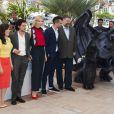 Cate Blanchett, America Ferrara, Kit Harington, Jay Baruchel, Dean Deblois, Djimon Hounsou lors du photocall pour le film Dragons 2, au 67e Festival de Cannes, le 16 mai 2014.
