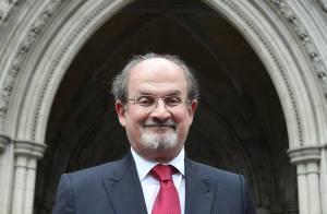 PHOTOS : Salman Rushdie, ne dites jamais que vous l'avez enfermé dans un placard !