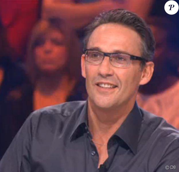 Julien Courbet, invité sur le plateau (L'Oeuf ou la Poule - émission diffusée sur D8 le vendredi 16 mai 2014.)