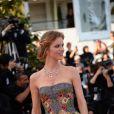 """Eva Herzigova à la montée des marches du film """"Deux jours, une nuit"""" lors du 67e Festival du film de Cannes le 20 mai 2014."""