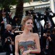 """Eva Herzigova à la montée des marches du film """"Deux jours, une nuit"""" lors du 67 ème Festival du film de Cannes le 20 mai 2014."""