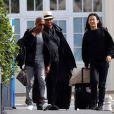 Andre Leon Talley (au milieu) et Alexander Wang (à droite) s'envolent de l'aéroport du Bourget pour Florence. Le 24 mai 2014.