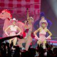 La jeune star Miley Cyrus en concert à la Halle Tony Garnier à Lyon le 24 mai 2014.