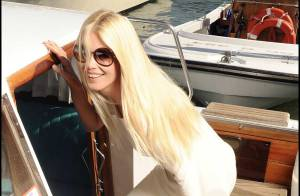 REPORTAGE PHOTOS : Quand Claudia Schiffer brille de mille feux sous le soleil de Venise...