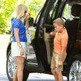 La jolie Reese Witherspoon emmène son fils Deacon à une fête d'anniversaire à Brentwood, le 1er juin 2014.