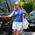 L'actrice Reese Witherspoon emmène son fils Deacon à une fête d'anniversaire à Brentwood, le 1er juin 2014.