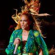 Jennifer Lopez se produit dans le cadre du lancement des State Farm Neighborhood à New York, le 4 juin 2014.