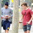 David Beckham et son fils Brooklyn dans les rues de Brentwood, le 25 mai 2014