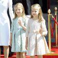 Les princesses Leonor et Sofia lors de la cérémonie d'investiture du nouveau roi Felipe VI à Madrid le 19 septembre 2014