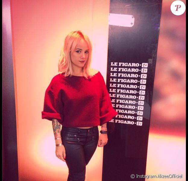Alizée en plein marathon promotionnel pour son album blonde, le jeudi 19 juin 2014 à Paris.