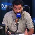 """Cyril Hanouna dans l'émission d'Europe 1 """"Les pieds dans le plat""""."""