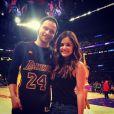 Photo de Joel Crouse et Lucy Hale, postée le 14 avril 2014, à un match des Lakers.