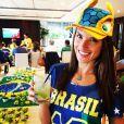 Alessandra Ambrosio dans les rangs pour soutenir le Brésil
