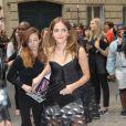 Emma Watson arrive au musée Rodin pour assister au défilé haute-couture Christian Dior automne-hiver 2014-2015. Paris, le 7 juillet 2014.