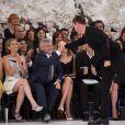 Jennifer Lawrence, Sidney Toledano, Emma Watson et Raf Simons lors du défilé haute-couture Christian Dior automne-hiver 2014-15 au musée Rodin. Paris, le 7 juillet 2014.