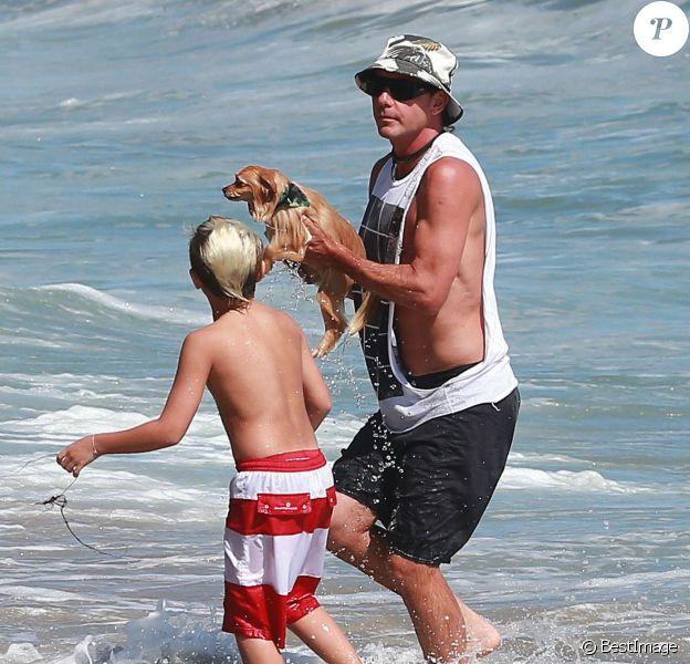 Sur une plage de Malibu, Gavin Rossdale sa sauvé in extremis Chowie, le chien de la famille, emporté par une vague.