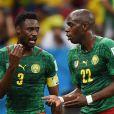 Nicolas Nkoulou en discussion avec Allan Nyom et Henri Bedimo lors du match de poules du Cameroun contre le Brésil le 23 juin 2014 lors de la Coupe du monde.