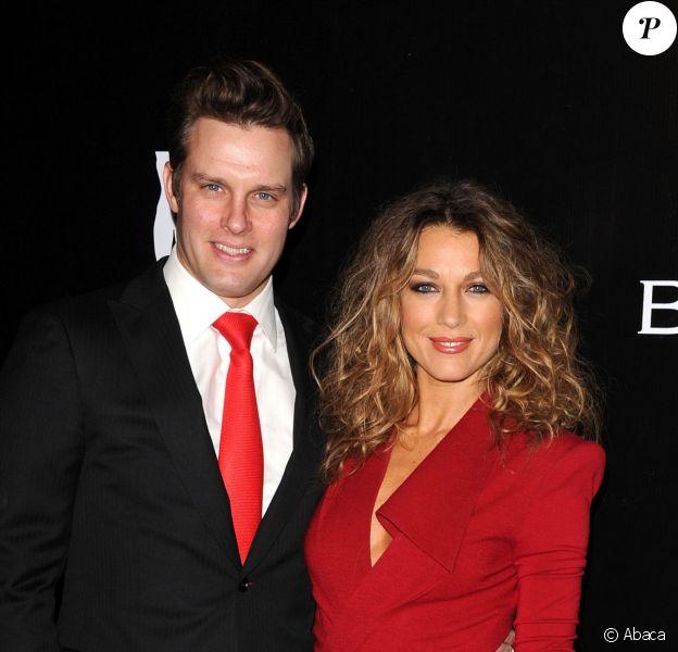 Natalie Zea et son époux Travis Schuldt lors du Rodeo Drive Walk Of Style chez Bulgari à Beverly Hills, le 5 décembre 2012