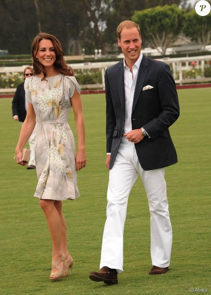 Kate middleton portant une robe jenny packham et le for Jenny packham robe de mariage de saule