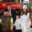 Katie Price avec Kieran Hayler et ses enfants Harvey (à gaucher), Junior et Princess à Londres, le 9 février 2014.