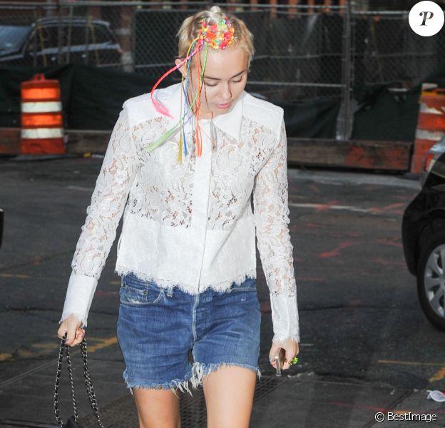 Miley Cyrus va dîner au restaurant Nobu à New York, le 3 août 2014.