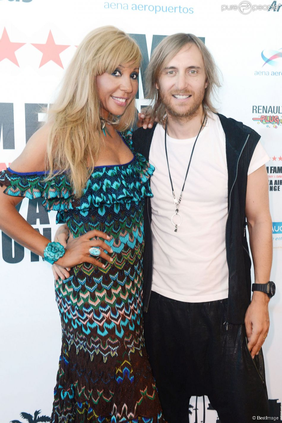 cathy et david guetta inaugurant leur club l 39 a roport d 39 ibiza le 17 juillet 2012. Black Bedroom Furniture Sets. Home Design Ideas