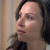 Minnie Driver : Son émotion en enquêtant sur la double vie de son père