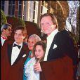 Angelina Jolie et Jon Voight avec James Haven et la mère de Jon, Barbara, aux Oscars en 1986.