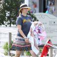 Exclusif - Drew Barrymore sur une plage de Cape Cod dans le Massachusetts, le 23 août 2014.