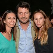 Adeline Blondieau lovée contre Vanessa Demouy et son mari pour une chic décennie