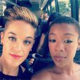 Lauren Morelli et Samira Wiley, respectivement scénariste et actrice d'Orange Is The New Black, sont en couple. Photo Instagram, août 2014, à l'occasion des Emmy Awards.