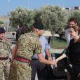 Angelina Jolie visite un navire de l'armée maltaise à Gharghur, le 14 septembre 2014.