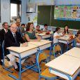 Exclusif - Le prince Albert II de Monaco visitait des classes de l'école Saint-Charles accompagné du prince Charles et de la princesse Camilla de Bourbon-Siciles, duc et duchesse de Castro, à Monaco, le 18 septembre 2014 afin d'y observer le travail des enseignants et des enfants sur des tablettes numériques et sur un tableau numérique.
