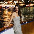 Sofia Essaïdi au summum du glamour  lors de la soirée de lancement de l'album   Forever Gentlemen 2   le 1er octobre 2014 à bord de la péniche Le Paris, au pied de la Tour Eiffel. Sortie du disque le 20 octobre.