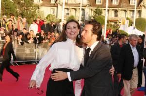 PHOTOS : Quand Edouard Baer fait valser Carole Bouquet sur le tapis rouge !