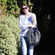 Ellen Pompeo sort de chez le coiffeur à West Hollywood, le 1er octobre 2014.