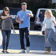 Ben Affleck emmène Jennifer Garner et la mère de cette dernière prendre le petit déjeuner à Brentwood, le 3 octobre 2014.