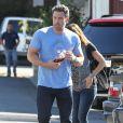 Ben Affleck emmène Jennifer Garner prendre le petit déjeuner à Brentwood, le 3 octobre 2014.
