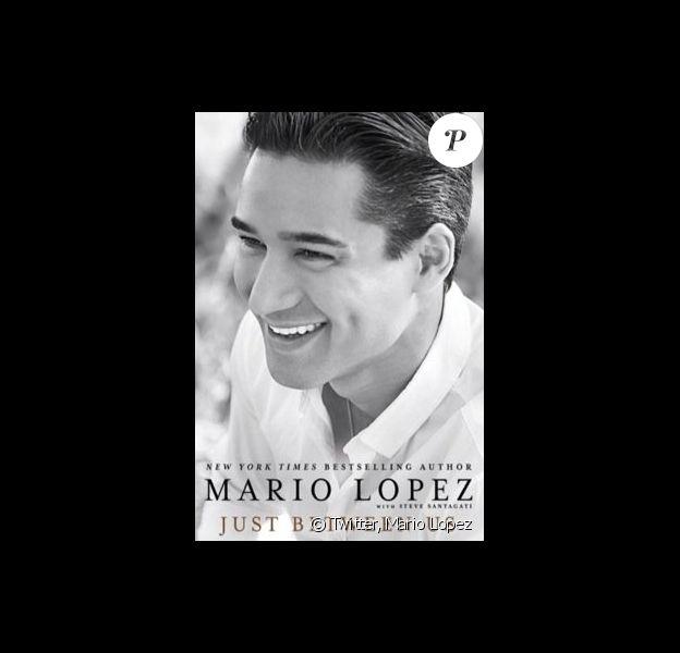 Mario Lopez s'est livré comme jamais dans un livre-autobiographique, Just Between Us, disponible depuis le 30 septembre 2014 aux Etats-Unis.