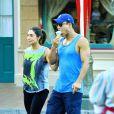 Exclusif - Mario Lopez avec sa femme Courtney et leurs enfants Gia et Dominic profitent d'une journée à Disneyland, Anaheim, le 8 août 2014.