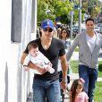 Mario Lopez se promène avec sa femme Courtney Mazza et leurs enfants Gia et Dominic à West Hollywood, le 23 mars 2014.
