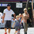Zlatan Ibrahimovic, sa compagne Helena Seger et leurs fils Maximilian et Vincent dans les rues de New York, le 25 juin 2014