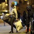 Robert Pattinson et sa petite amie Tahliah Barnett sont de retour à leur hôtel à Paris le 14 octobre 2014. Robert Pattinson assistait au concert de sa chérie Tahliah Debrett Barnett, alias FKA Twigs, à la Maroquinerie.