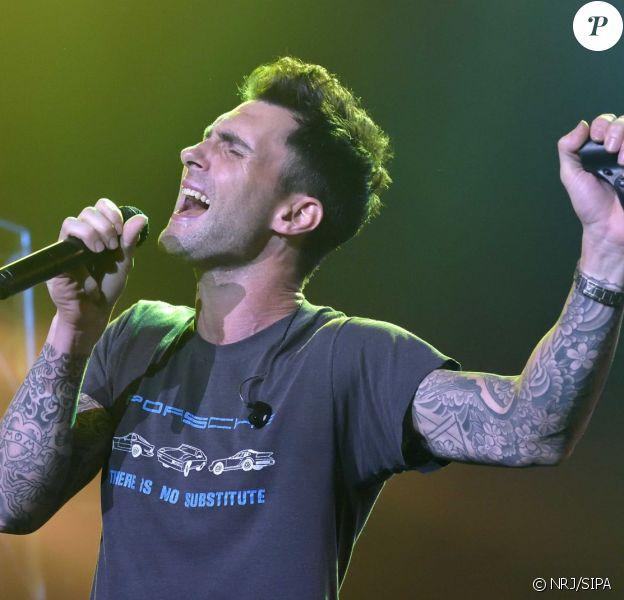 Adam Levine du groupe Maroon 5 - Concert NRJ Music Tour à Paris, le 20 octobre 2014